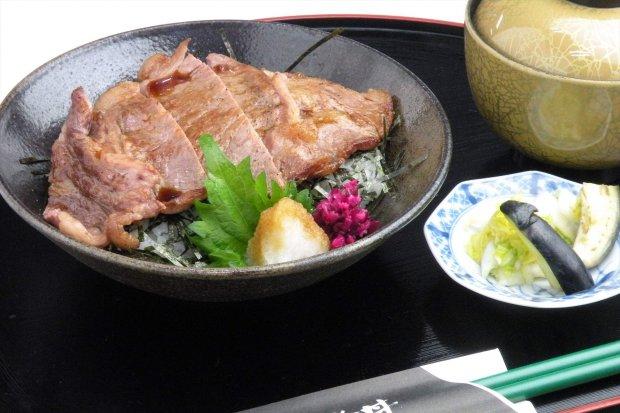 能登牛ステーキ丼(能登丼) 3,100円