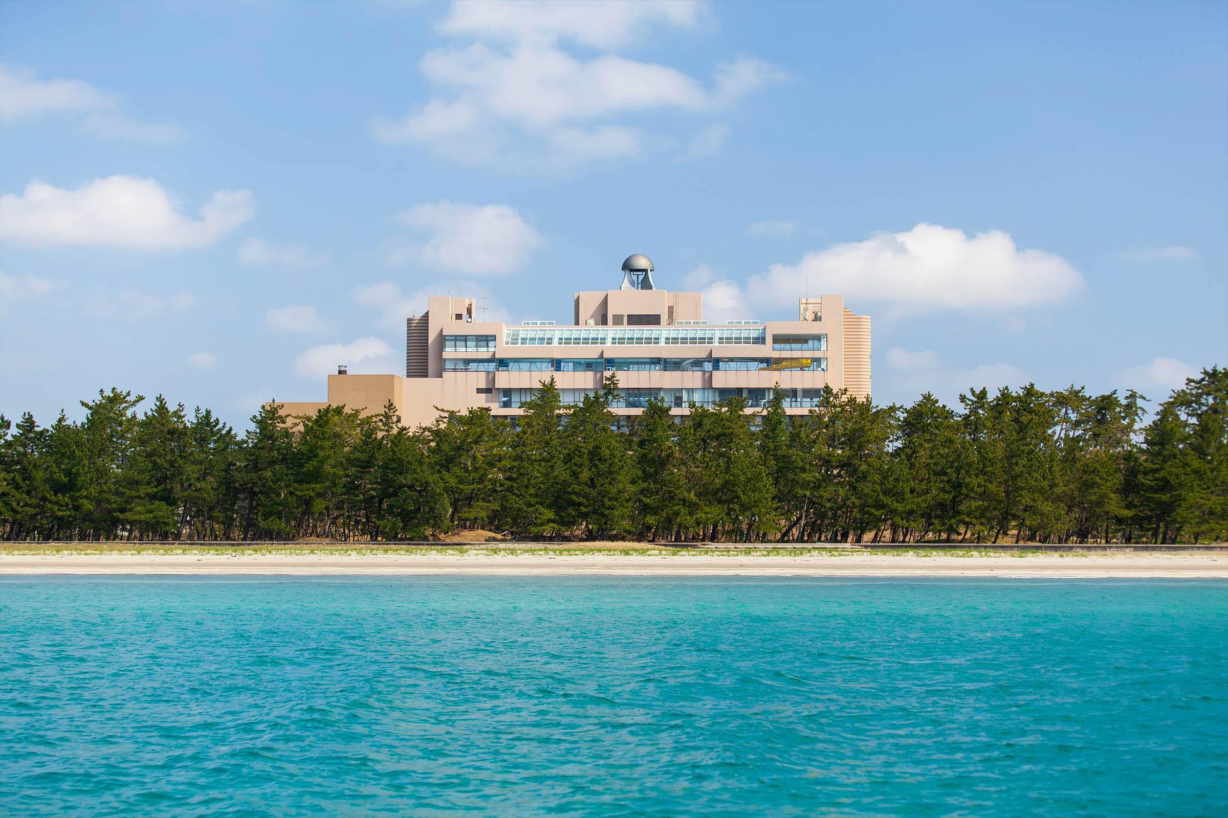 能登半島の最先端<br>日本の渚百選に選ばれたビーチを望むリゾートホテル